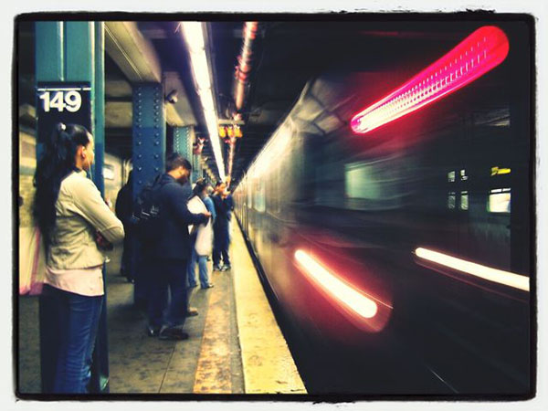آموزش عکاسی با موبایل: ۱۰ نکته و حقه برای عکاسی از ماتی حرکت یا Motion Blur